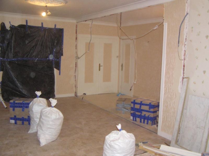 recoller une corniche en pl tre fissur e. Black Bedroom Furniture Sets. Home Design Ideas