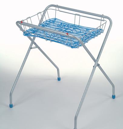chevalet support baignoire okbaby qui conna t. Black Bedroom Furniture Sets. Home Design Ideas