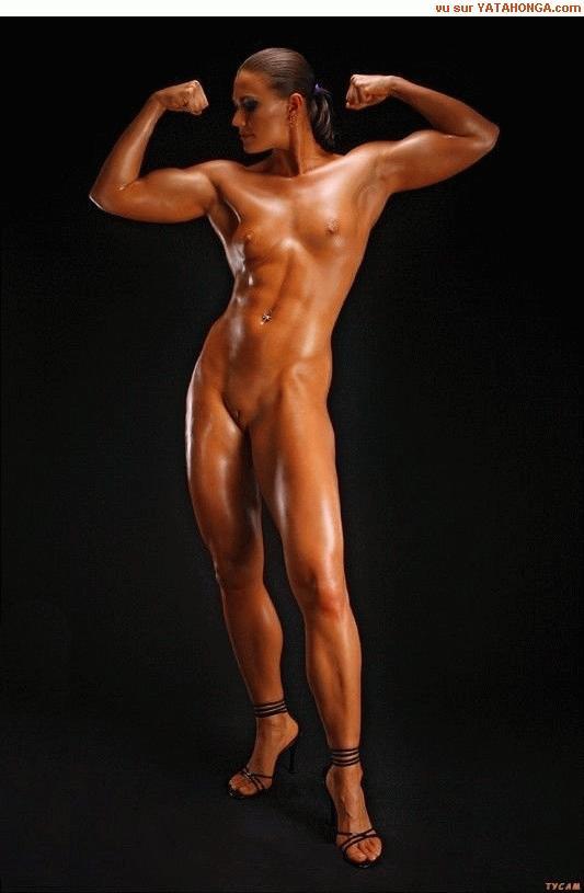 Body Builder Nude Woman 24