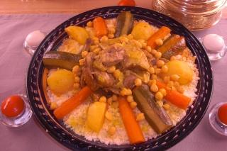 Couscous aux légumes  dans plats principaux cimg0211