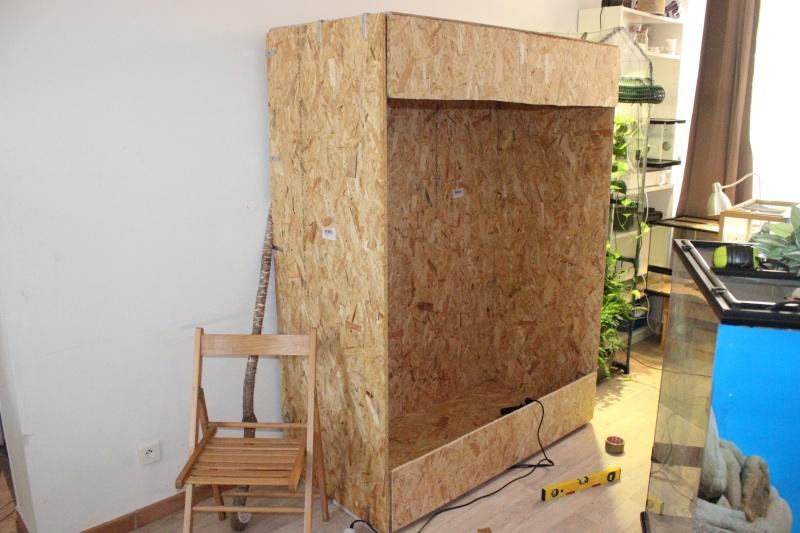 osb vernis osb vernis osbmariekke osb vernis grand table basse tripode en rotin et en osier. Black Bedroom Furniture Sets. Home Design Ideas