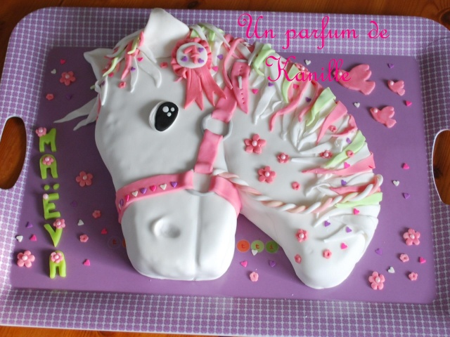 gateau 3d t te de cheval horse cake le blog de. Black Bedroom Furniture Sets. Home Design Ideas