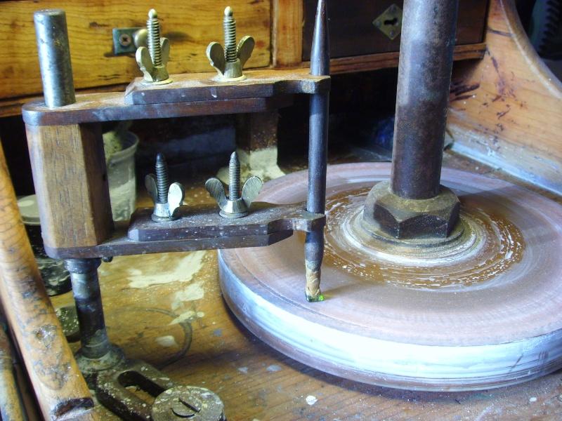 Tour pour lapidaire - Fabriquer un tour de potier ...