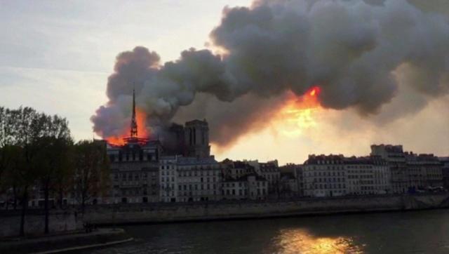 56981610 LaMortaise.com - Notre-Dame-de-Paris brule! - Forum LaMortaise.com - La référence en ébénisterie